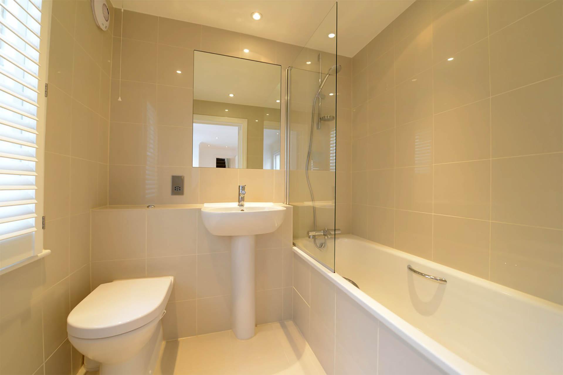 Chepstow Crescent bathroom